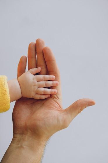 Les bienfaits du langage des signes  pour bébé